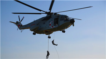 Soldiers participate in fast-roping operation