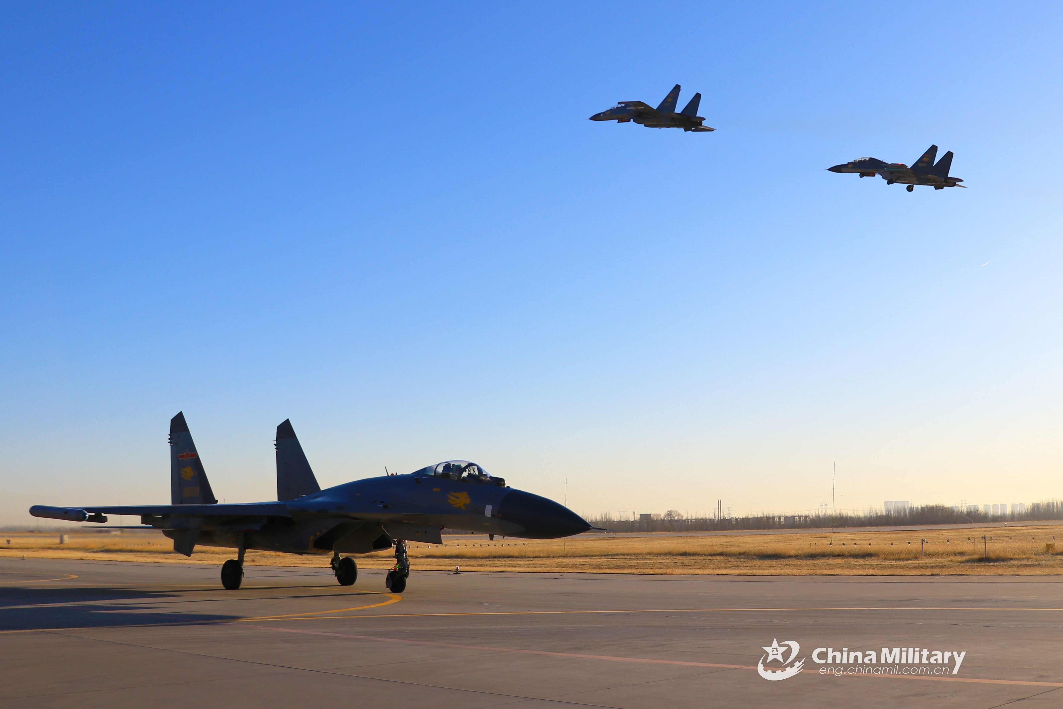 Preflight systems check before launching - China Military