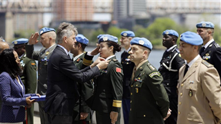 Two Chinese military officers awarded UN peacekeeping medal