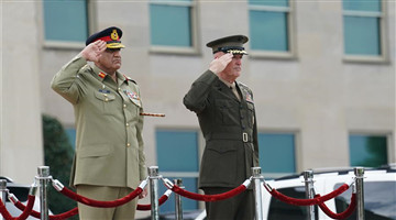 Chairman of U.S. joint chiefs of staff holds welcome ceremony for pakistani chief of army staff at Virginia