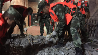 Armed police carry out rescue operations after Sichuan quake